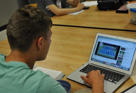 Fairview Faculty Prepare to Transition to Online School Methods